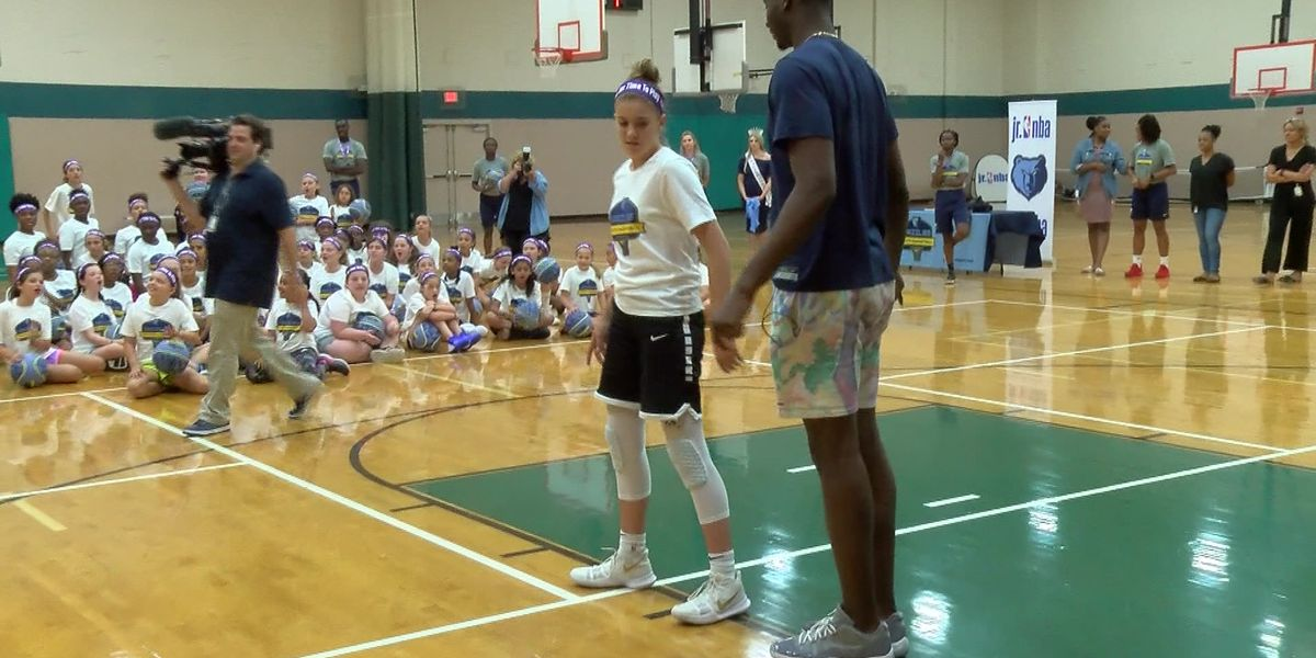 Jaren Jackson visits with young aspiring WNBA players