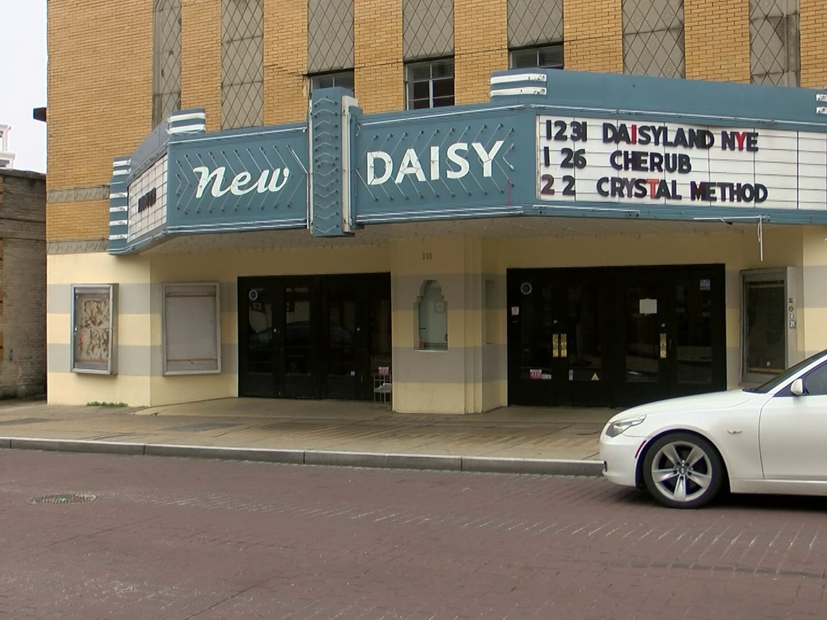 Band claims New Daisy Theater is shut down