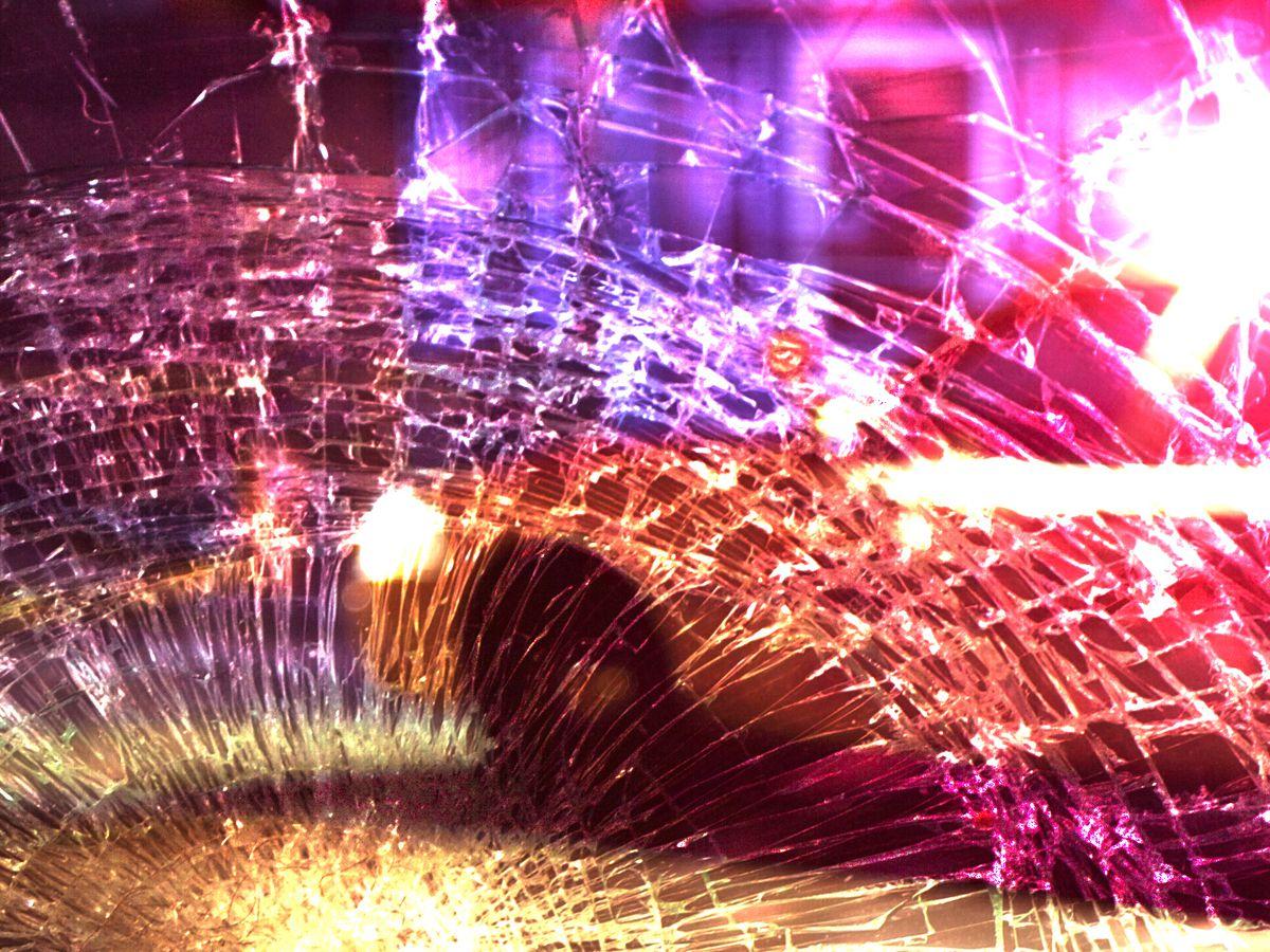 Suspect slams into Memphis police car while evading arrest