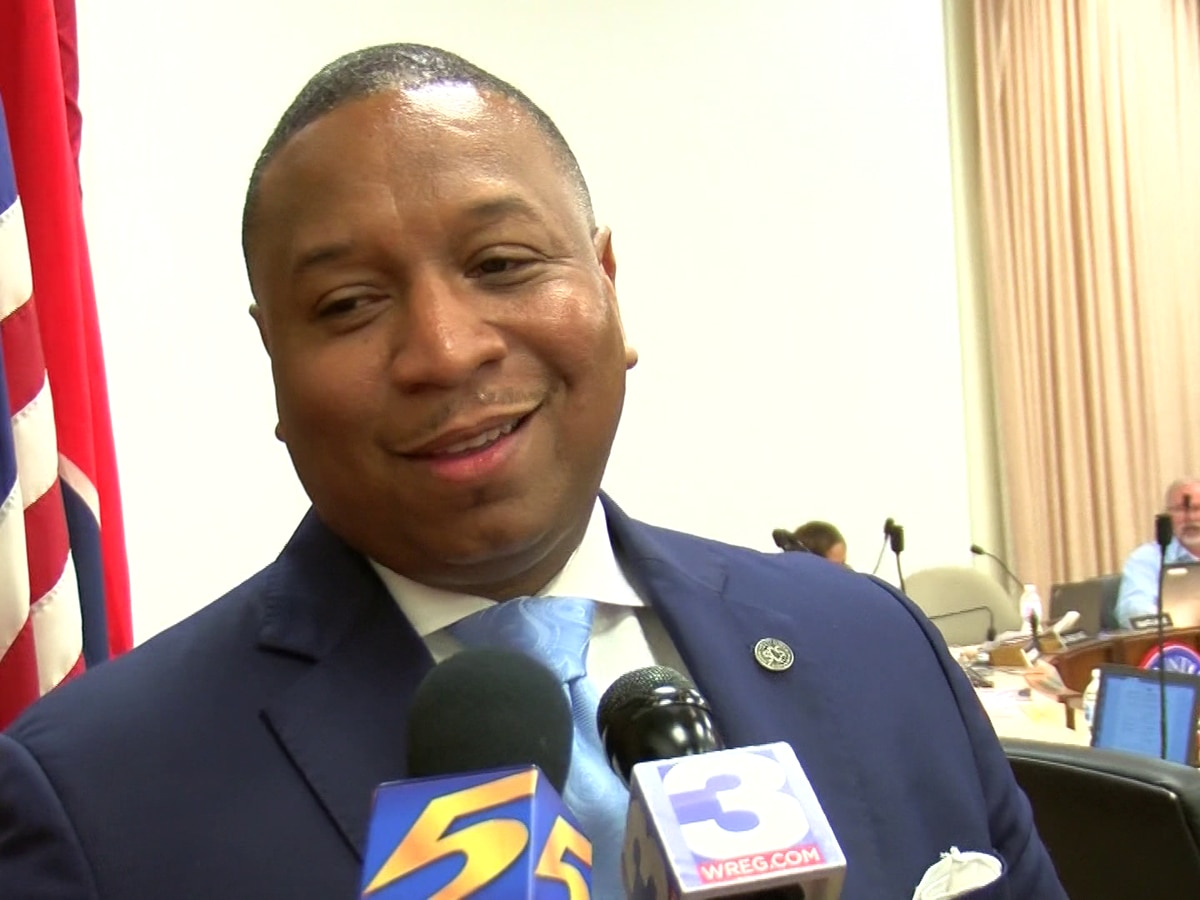 SCS Supt. launches plan to help black male students succeed