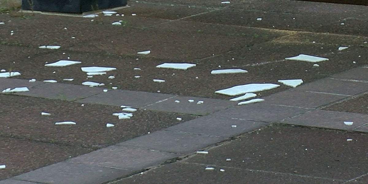 Memphis City Hall showing signs of wear, falling marble
