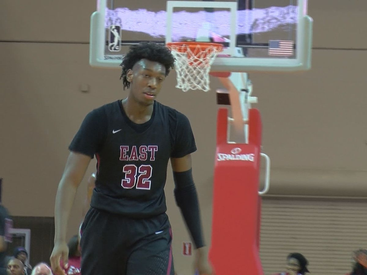 James Wiseman officially signs with U of M