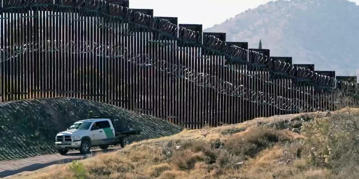 Leader of armed group stopping migrants at U.S. border boasted of assassinations