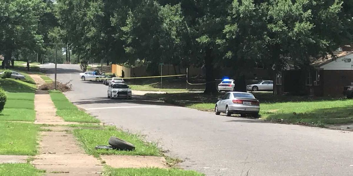 1 in custody after barricade situation on Harris Ave.