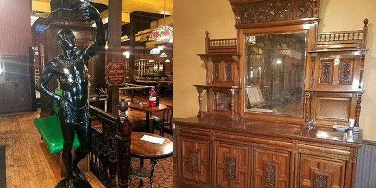 Spaghetti Warehouse auctions off everything