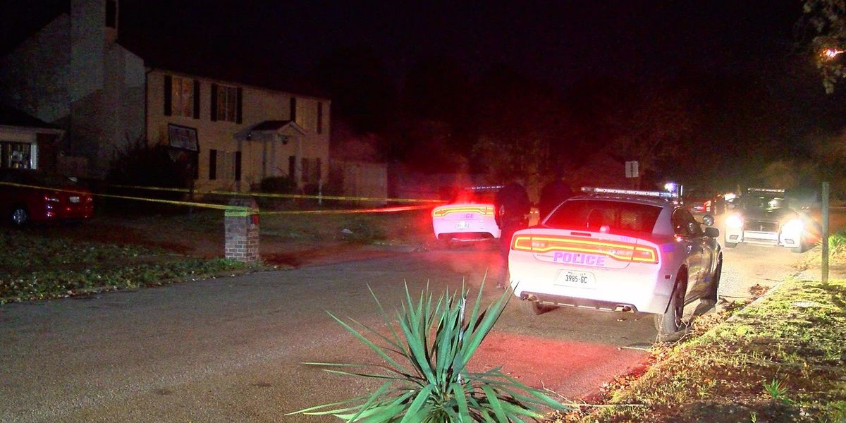 3 in hospital after shooting