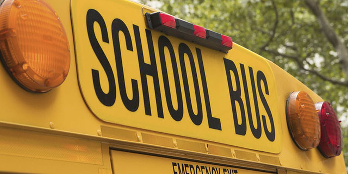 Corinth School District dismissing students early Monday