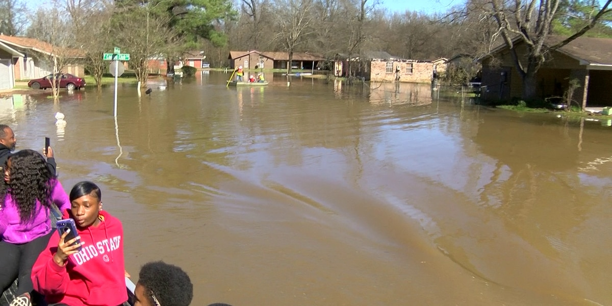 WATCH LIVE: Governor Reeves holds presser to update on Pearl River flooding in Jackson