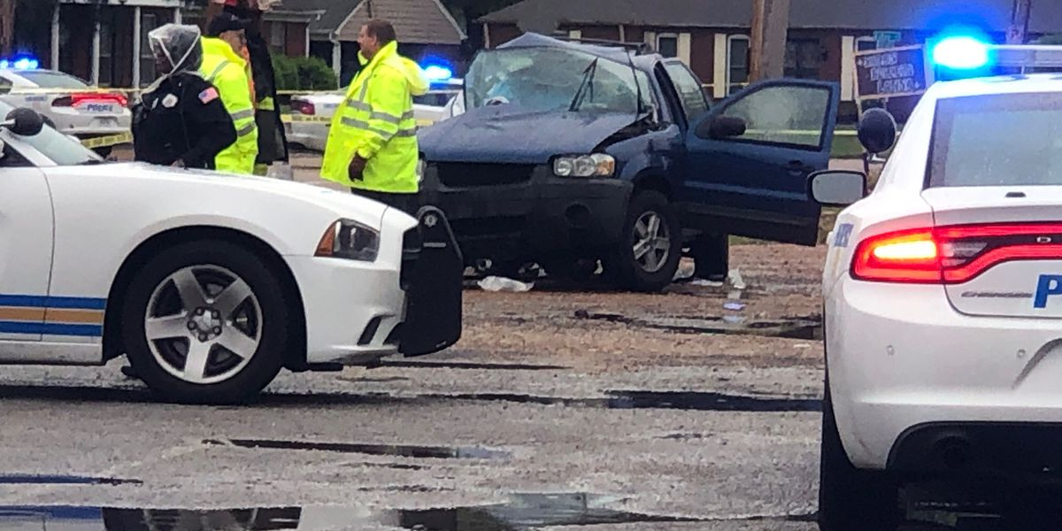 1 dead, 4 injured in crash near Fox Meadows