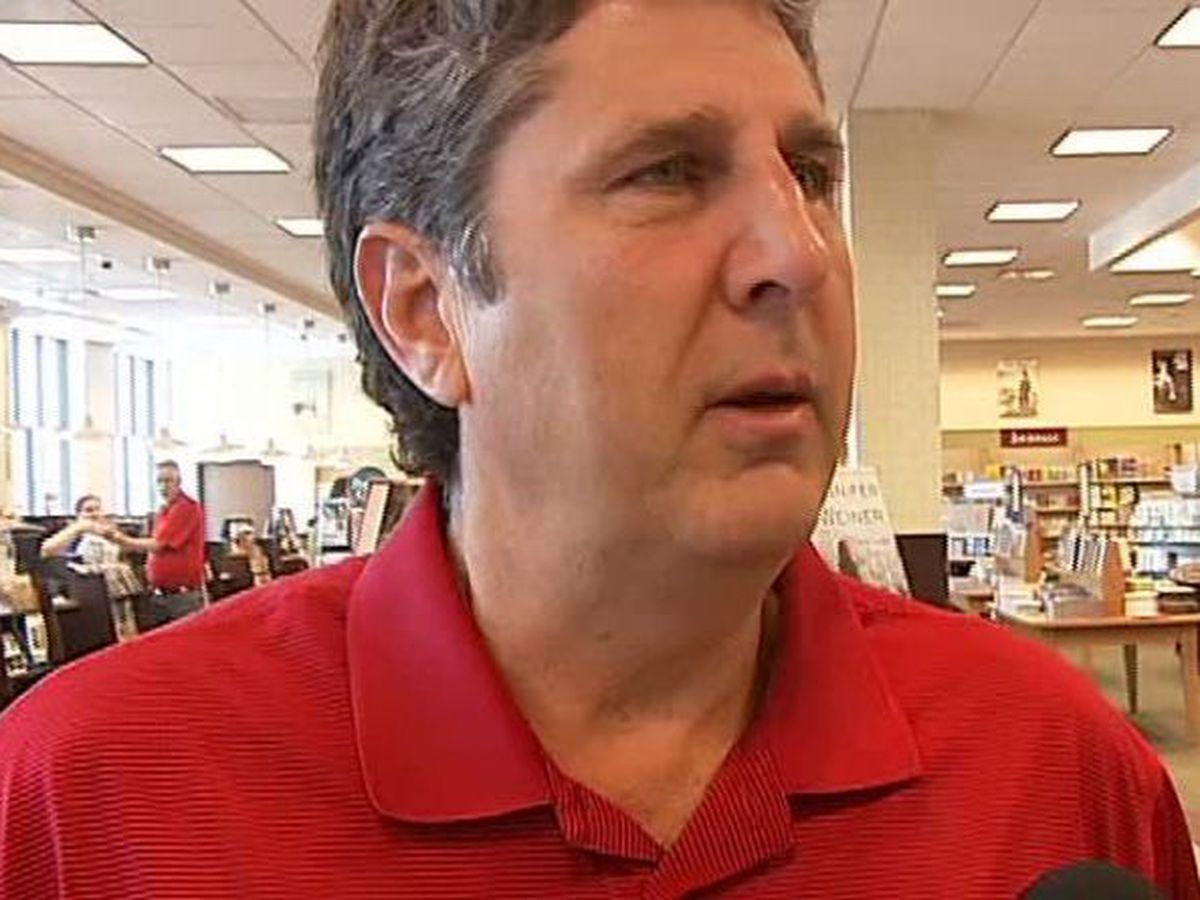 Mississippi State hires Mike Leach as head coach