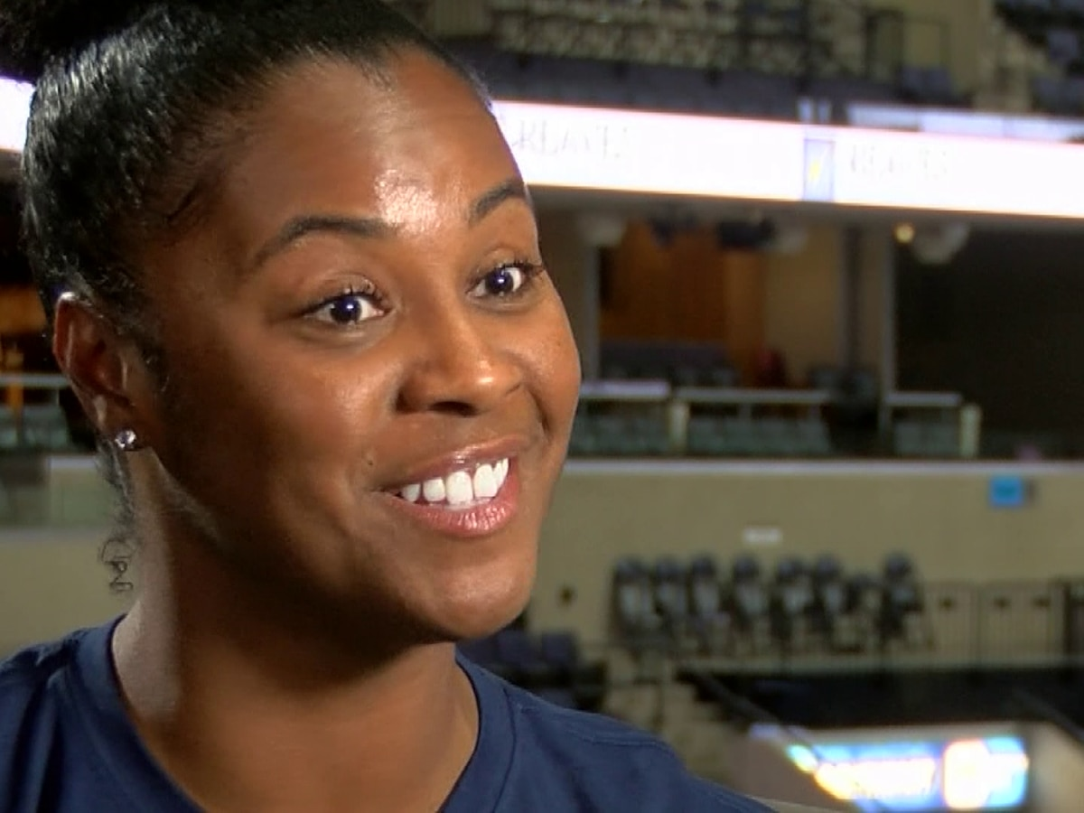 Game Changer: Grizzlies blazing a new trail this season with team's 1st female assistant coach