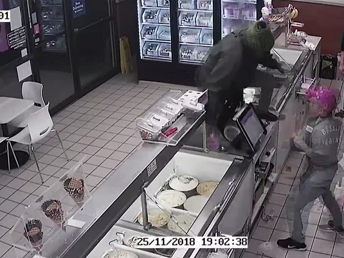 Baskin-Robbins employee fights off robber