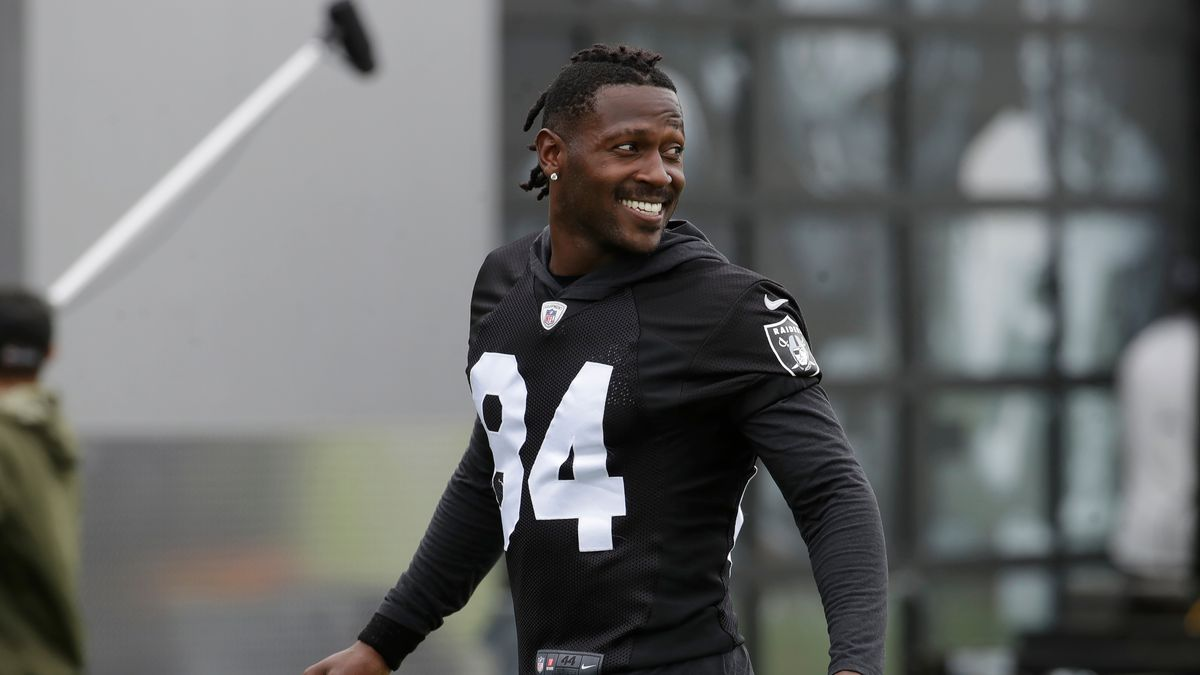 AP source: NFL to meet with Antonio Brown accuser Monday