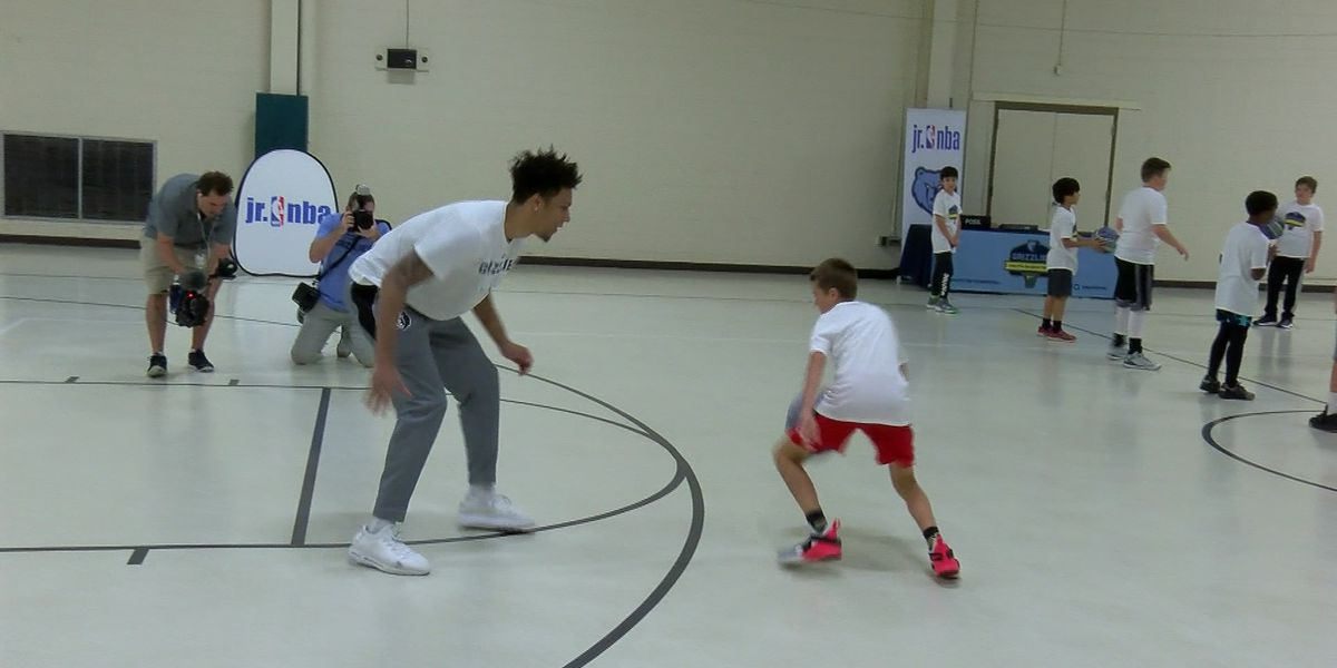Grizzlies' Clarke makes appearance at summer camp