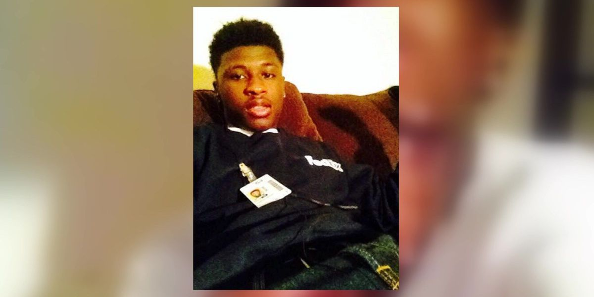 Mother of 19-year-old killed during 2015 traffic stop sues former MPD officer