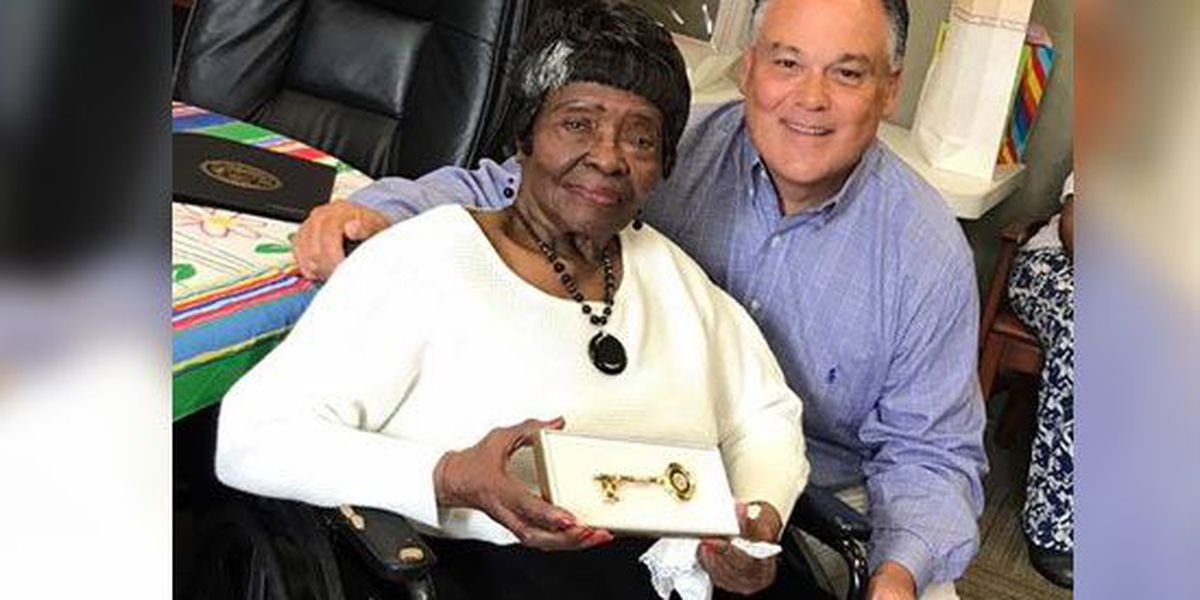 Dyersburg woman gets key to city for 100th birthday