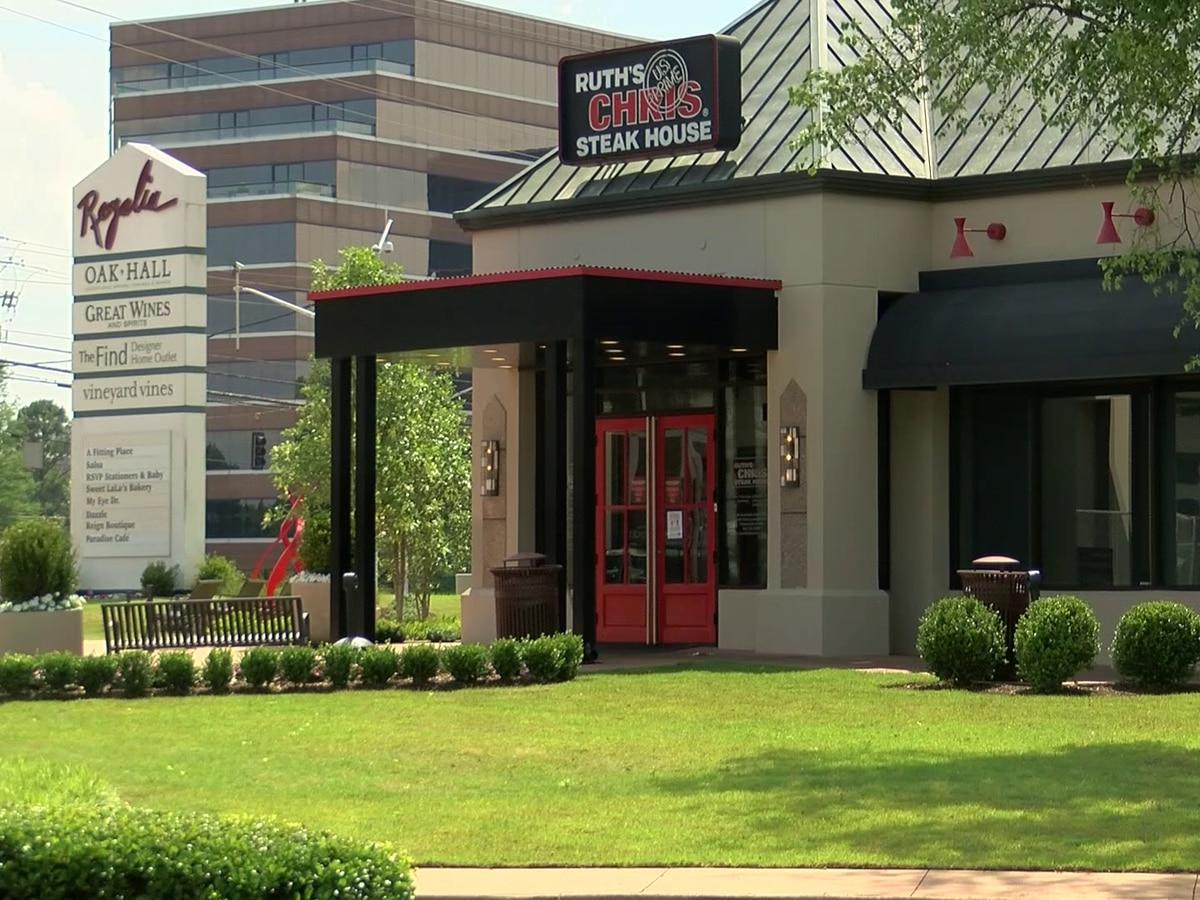 Mid-South man files lawsuit against Ruth's Chris Steak House over alleged discrimination
