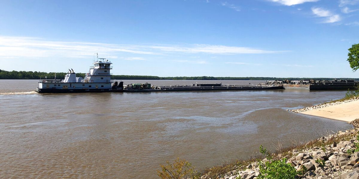 US Coast Guard lifts restriction on Miss. River near I-40 bridge