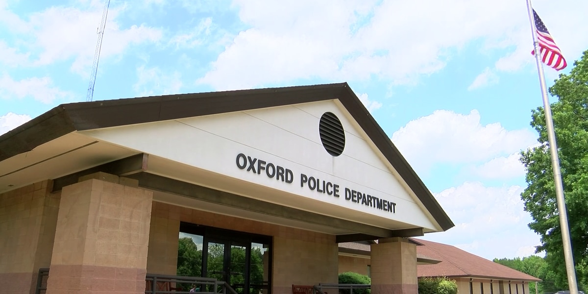 Mississippi police officer charged with accidental discharge of firearm while off duty inside Oxford restaurant