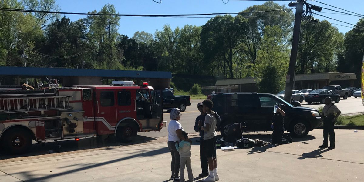 Child hit by car at Airways, Shelby Dr. in critical condition