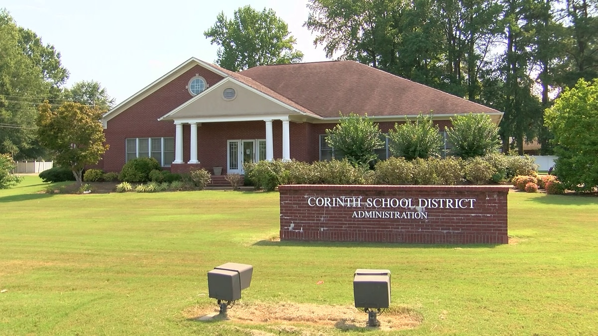 2 students caught with weapons at Corinth Middle School