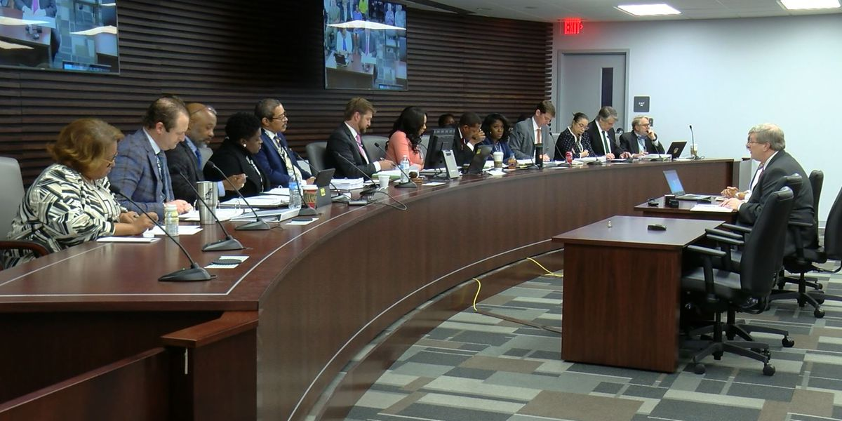 Less than a week after being sworn in, Memphis City Council members hold first meetings of year and term