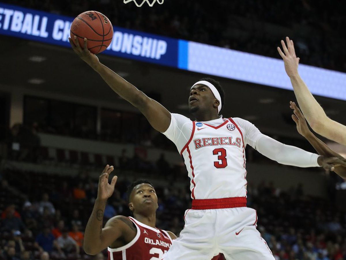 Hot-shooting Oklahoma beats Ole Miss 95-72 in NCAAs