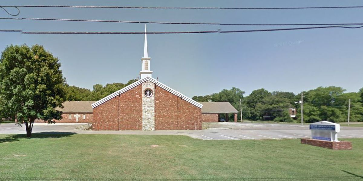 Man found shot in Memphis church parking lot