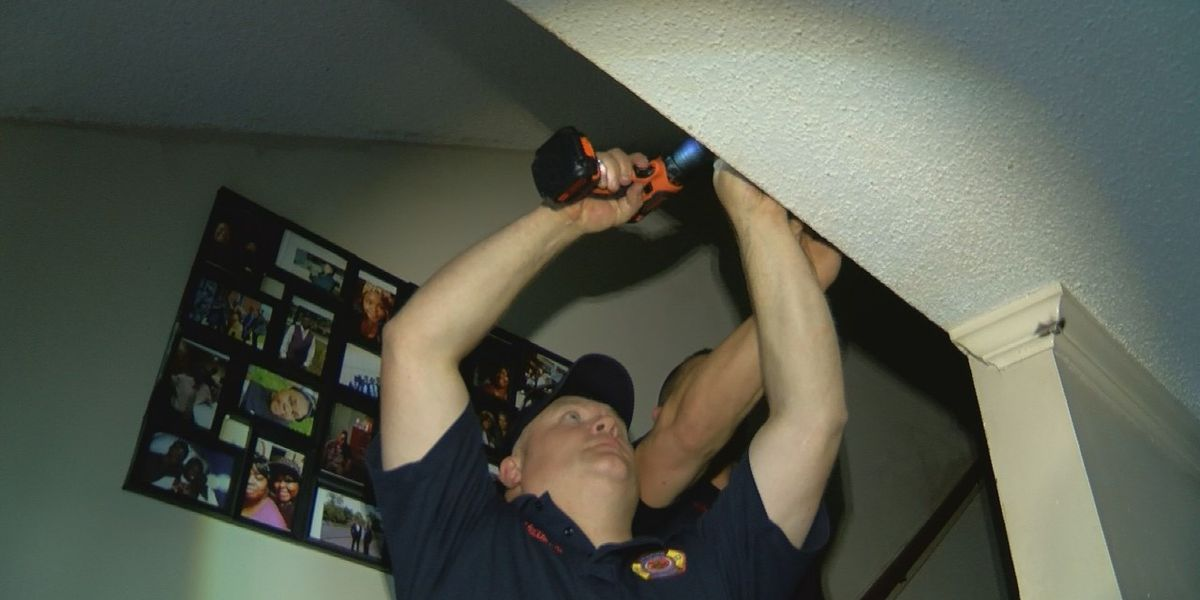 Memphis firefighters install smoke detectors for homes in need