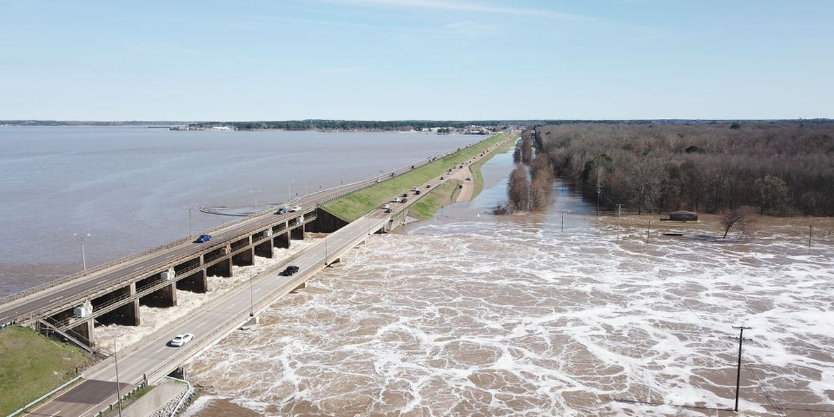 Why does the Pearl River flood if we have a reservoir that's supposed to hold water?