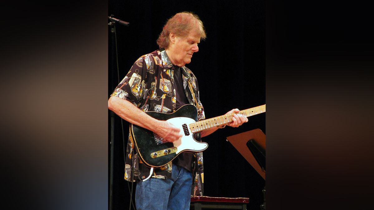 Hit- making guitarist Reggie Young passes away