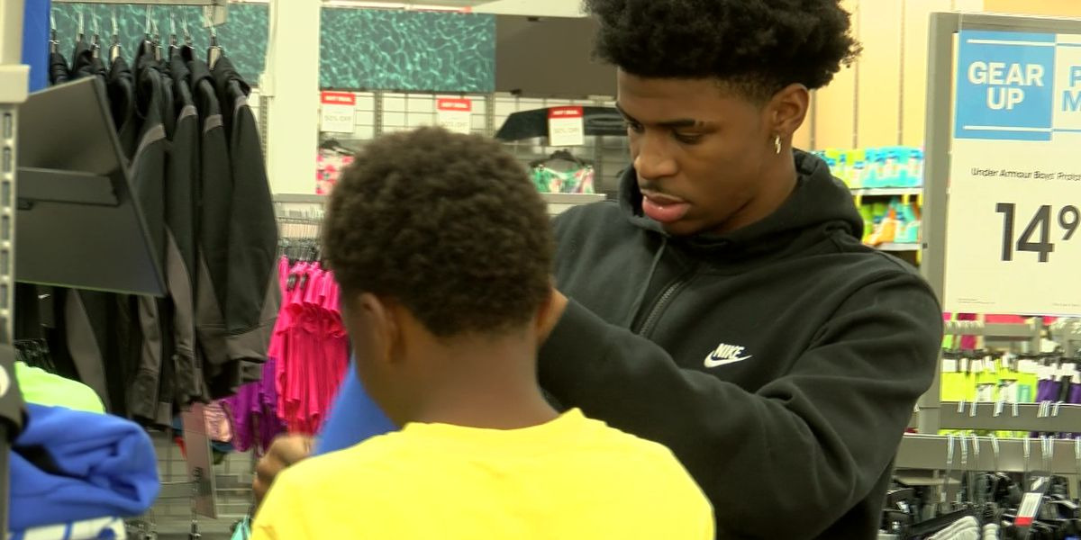 Ja Morant gives kids back-to-school shopping spree