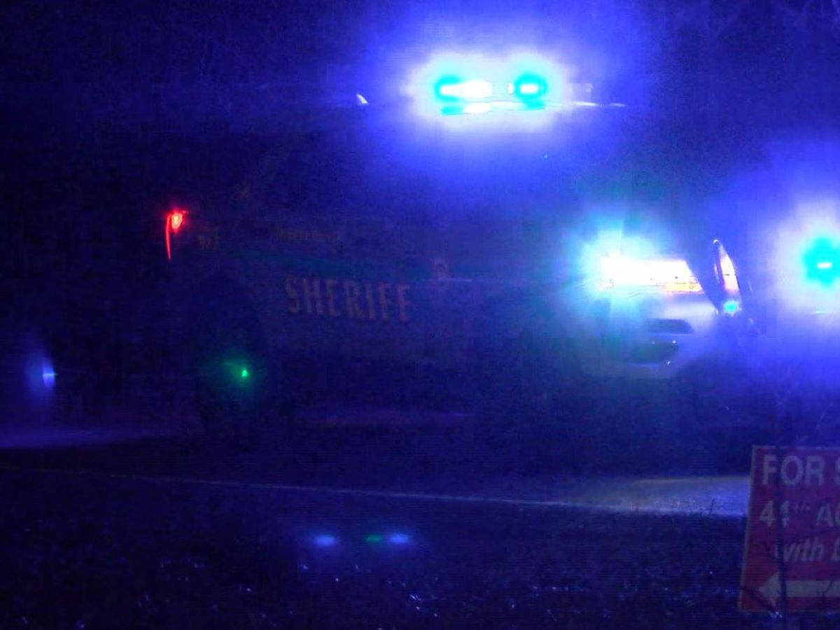 Deputies find 2 dead after single-car crash in Shelby Co.