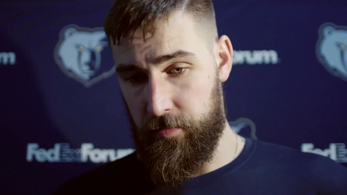 Valanciunas declines option, hoping for long-term deal with Grizz