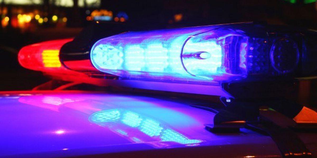 Woman shot at North Memphis gas station