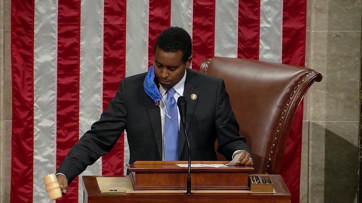 House passes $25 billion Postal Service emergency funding bill