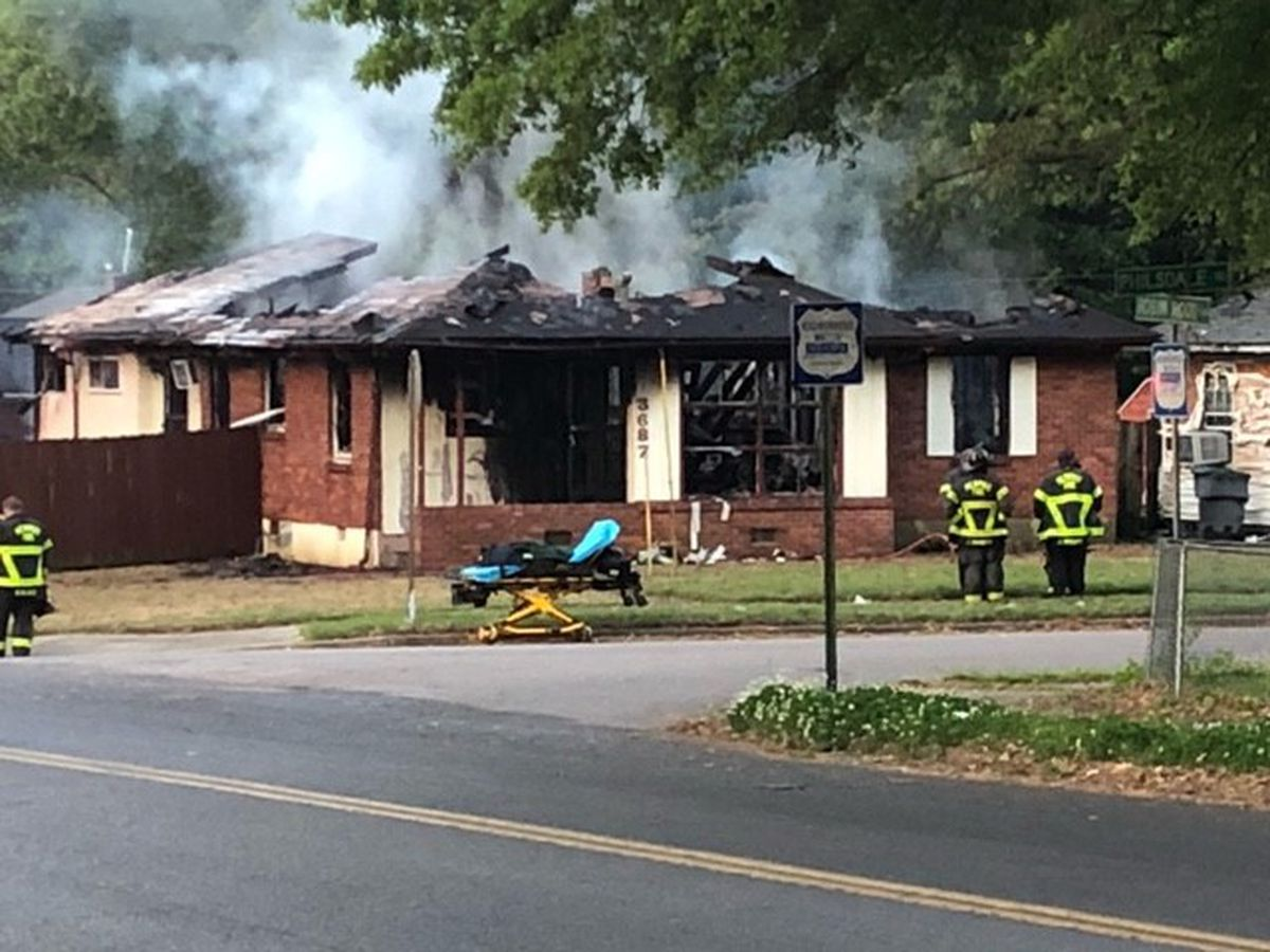 Memphis firefighter injured in morning house fire