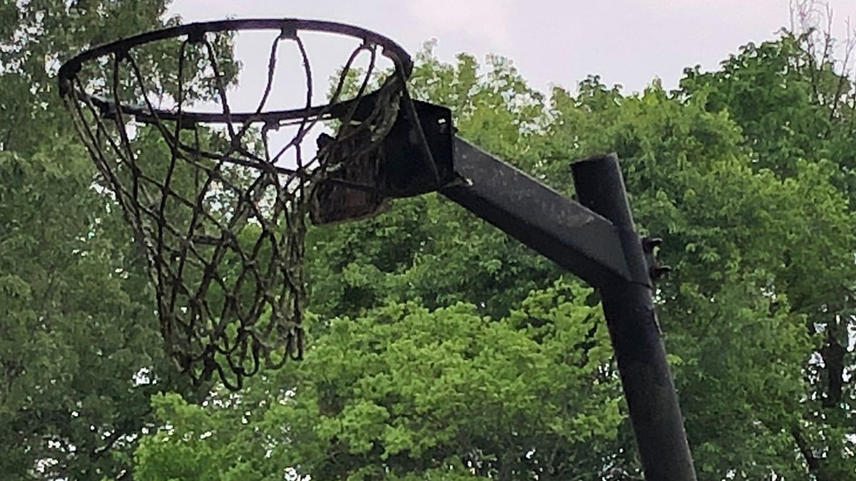 Arlington removing basketball goals from park courts to discourage crowds after recent nearby shooting
