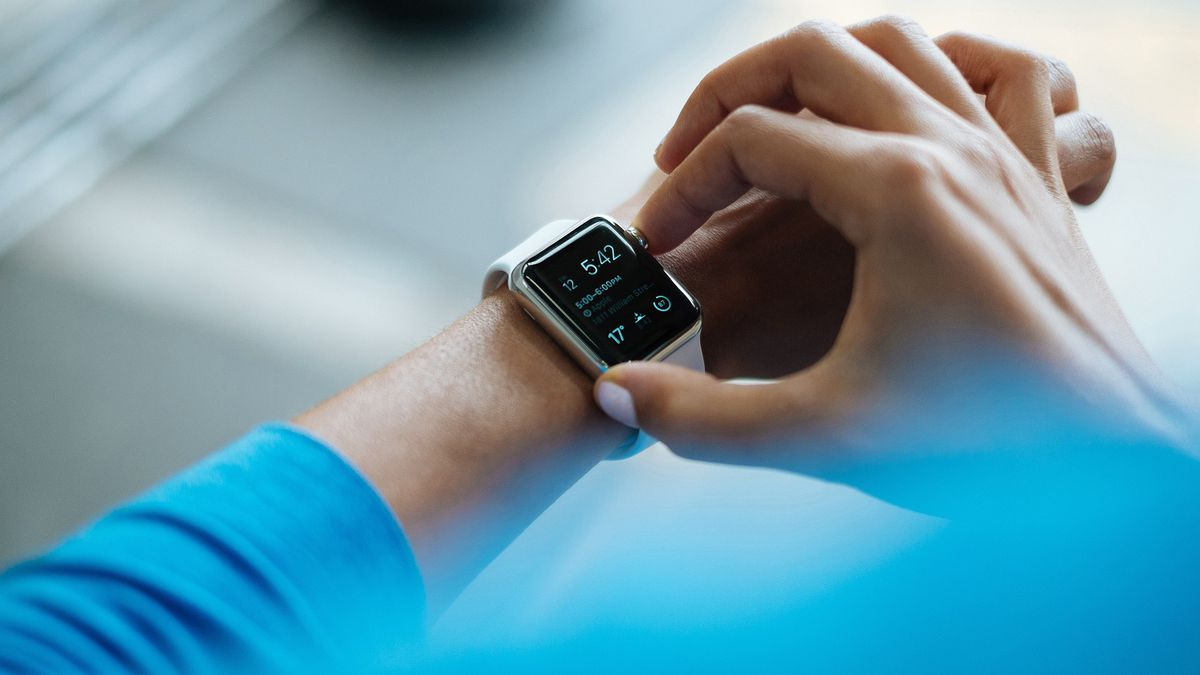 Bottom Line: Consumer Reports reveals the best smartwatch for a healthy new year