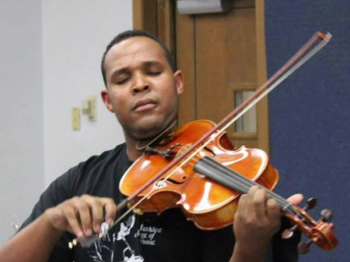 Friends, coworkers honor slain music teacher's spirit of giving