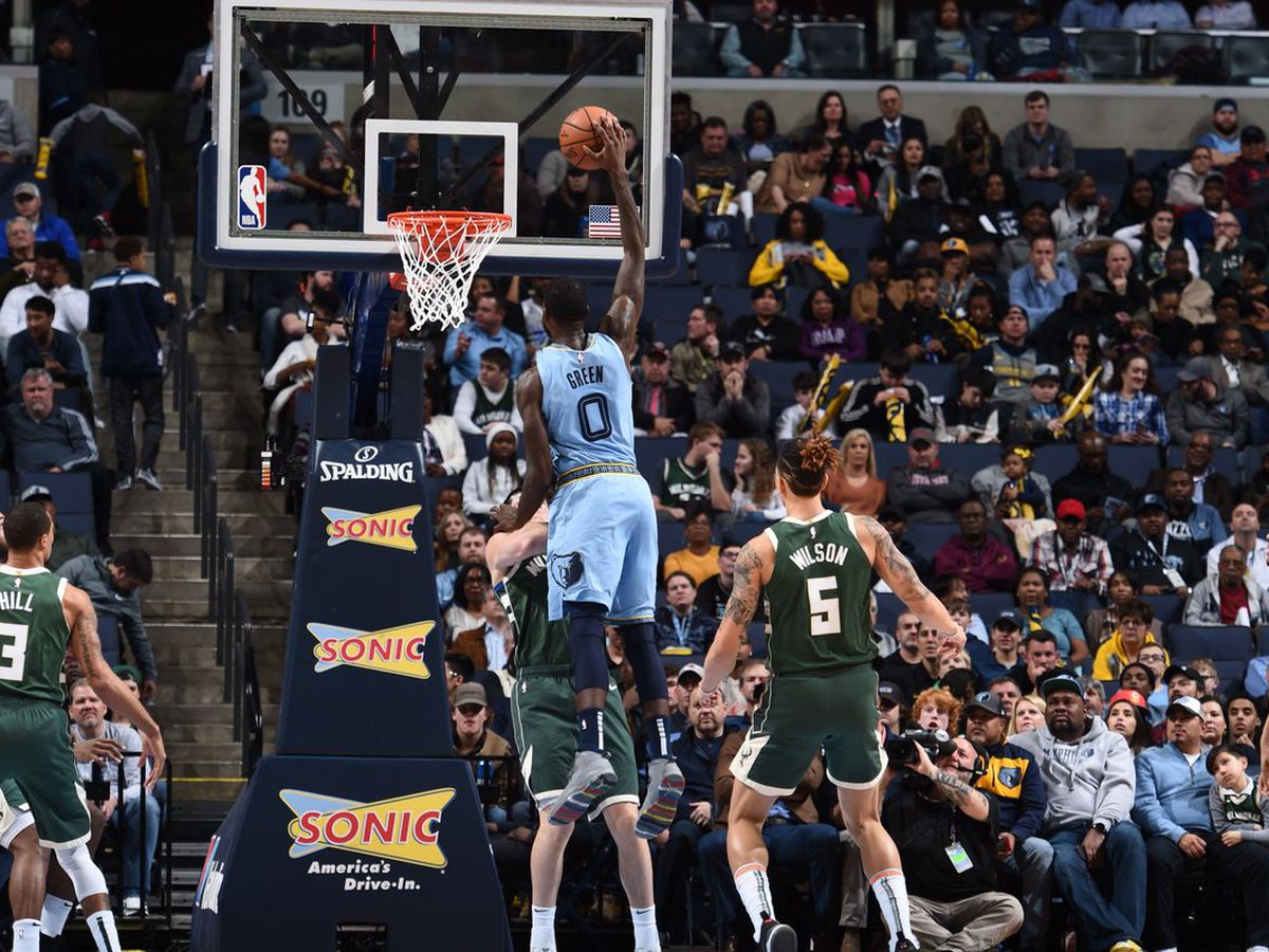 Grizzlies fall to Bucks at home