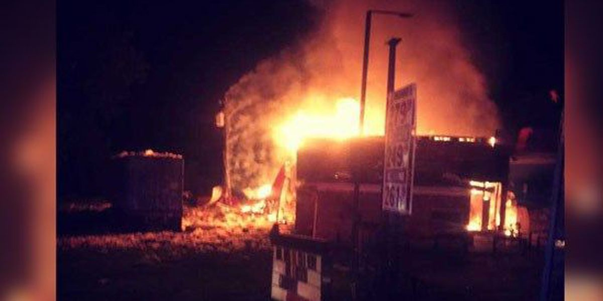 Fire crews investigate gas station explosion in Tipton Co.