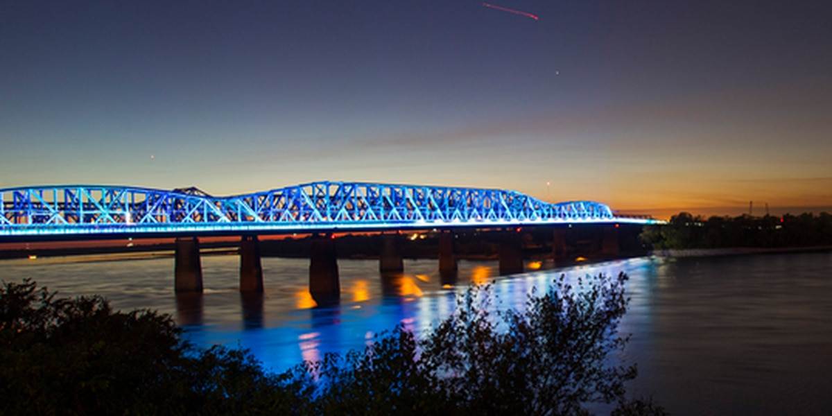 Big River Crossing goes blue in support of Tigers