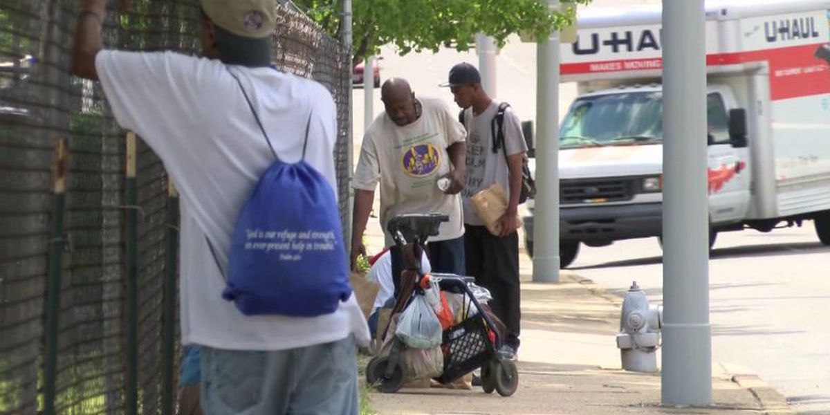 Memphis paying panhandlers to beautify city