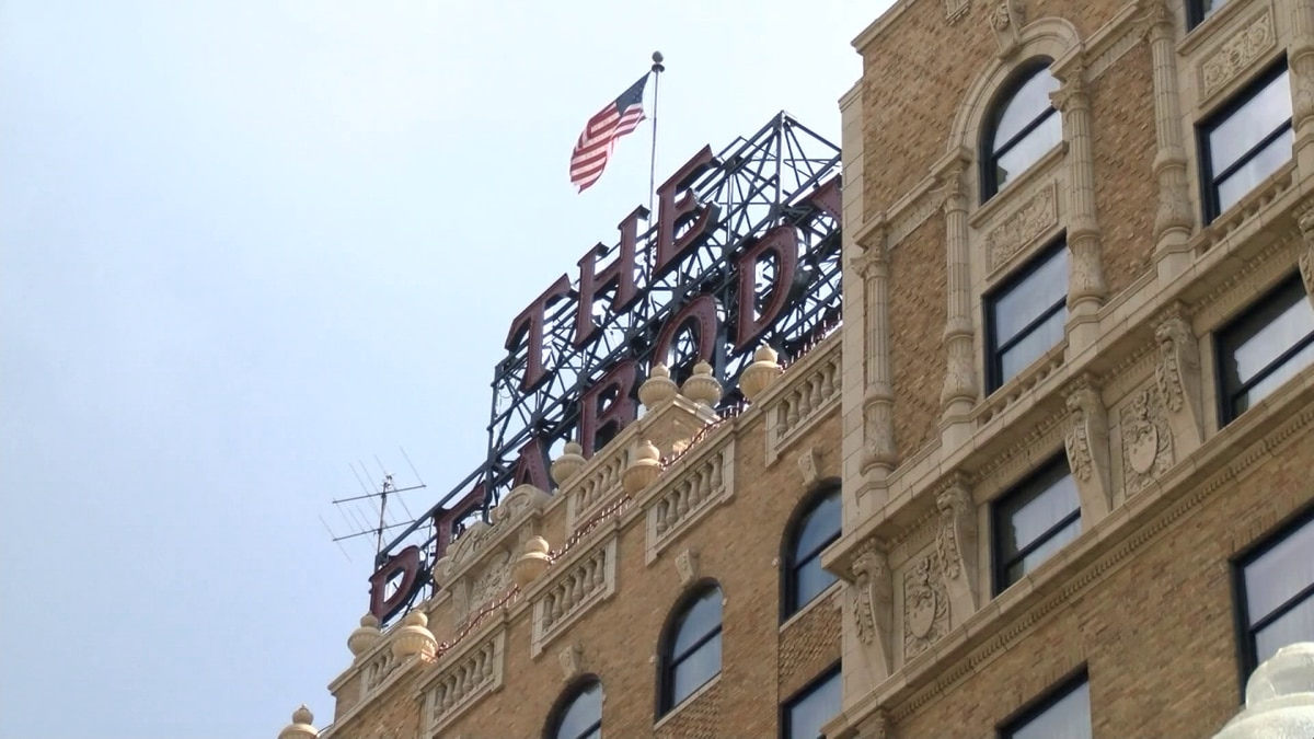 5 Star Stories: Secrets, skylights and celebrities of the Peabody Hotel