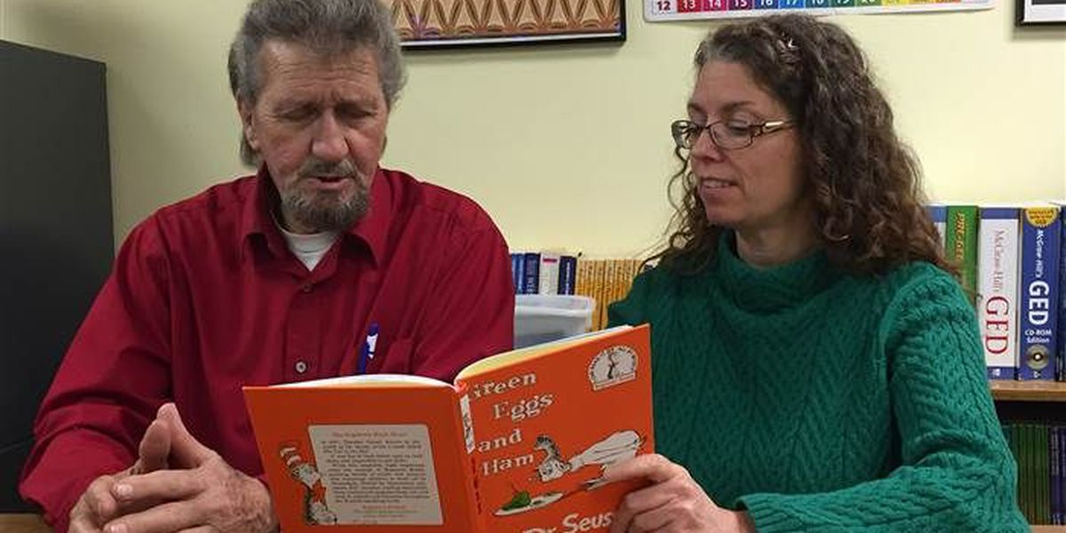 64-year-old TN man learns to read