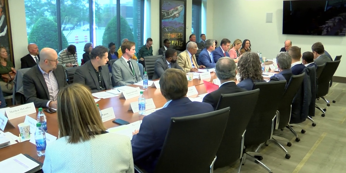 Congressman Steve Cohen holds roundtable in Memphis to discuss pedestrian, bike safety on streets