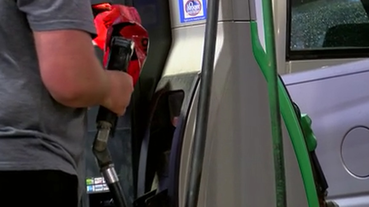 Mississippi governor discourages panic buying as drivers stock up on gas