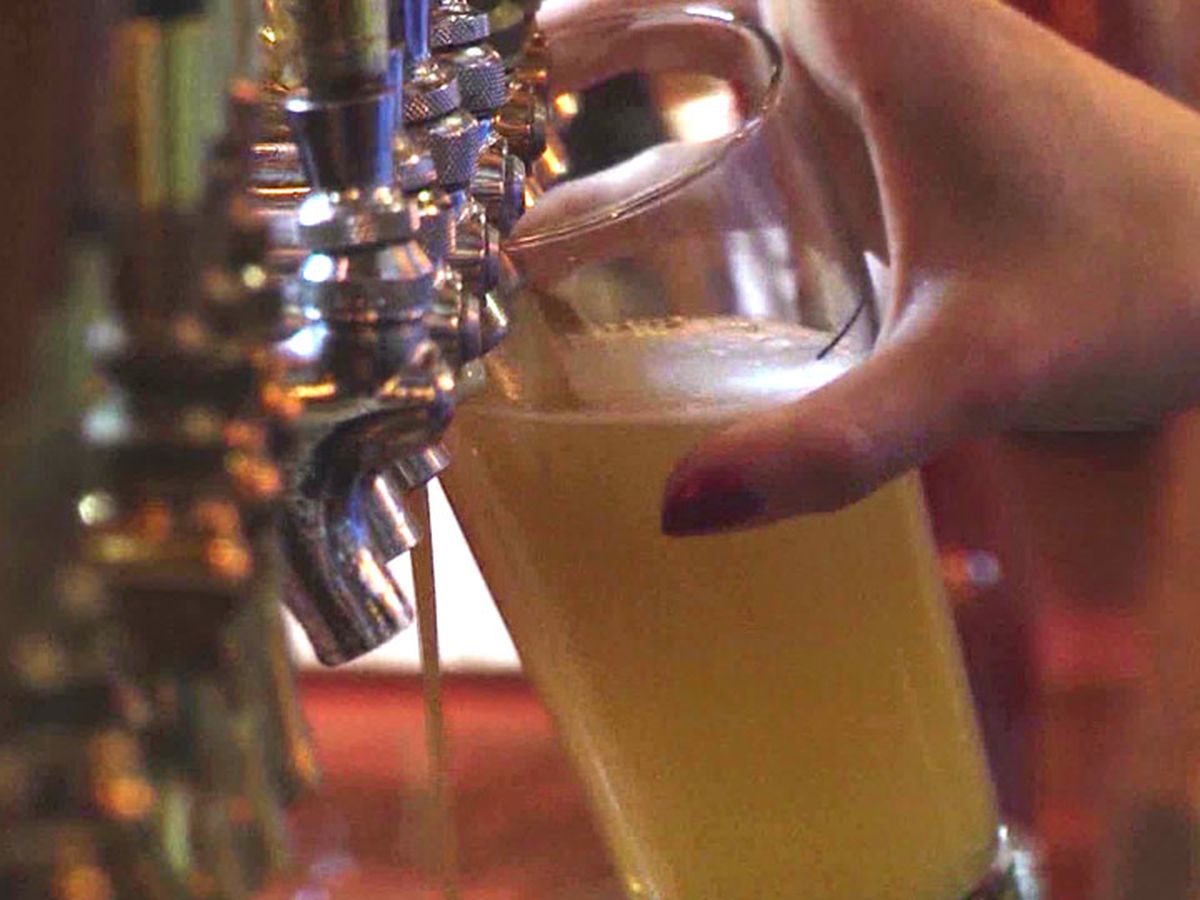 Hutchinson: Businesses that sell, serve alcohol must close at 11