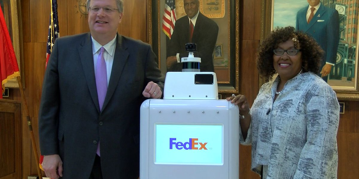 FedEx SameDay delivery robot 'Roxo' visits City Hall